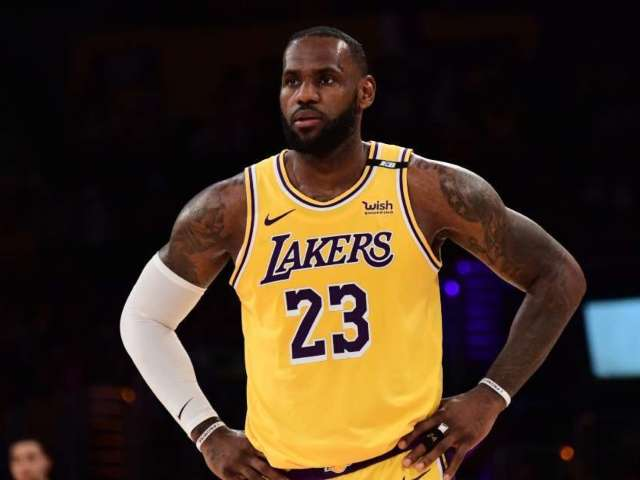 LeBron James Reportedly Changing Jersey Number Next Season