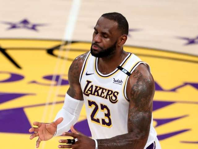 LeBron James' Jersey Number Switch Has Fans Confused