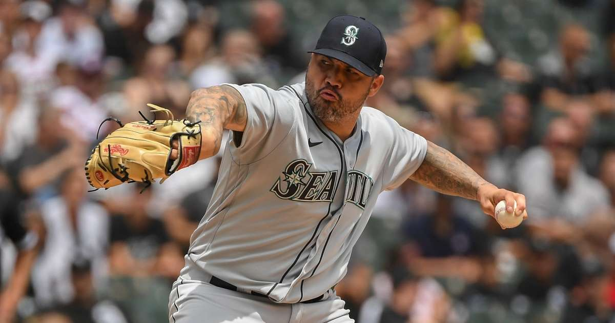 Mariners pitchers Hector Santiago suspended having illegal substance