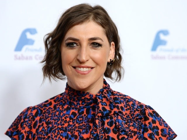 'Jeopardy!' Viewers Weigh in on Mayim Bialik's Hosting Debut