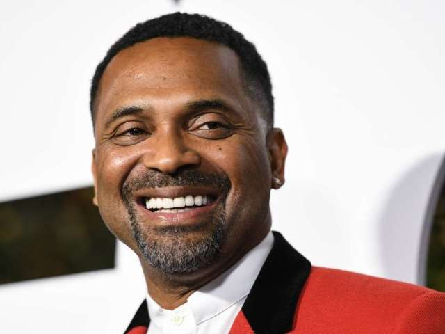 Mike Epps Playing Richard Pryor in HBO's Los Angeles Lakers Show