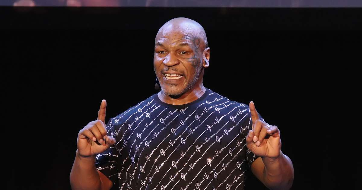 Mike Tyson weights in Logan Paul's performance Floyd Mayweather Fight
