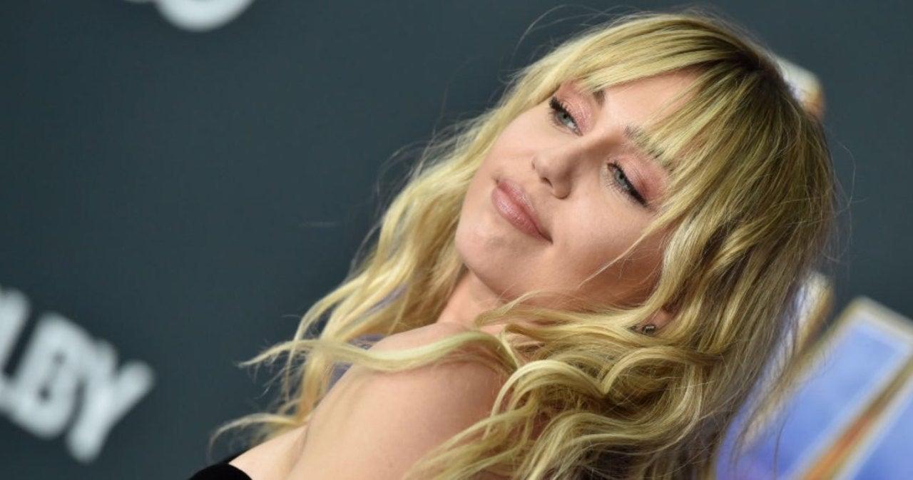 Miley Cyrus Calls out Elon Musk for Revealing Her 'Secret' Hannah Montana Identity.jpg