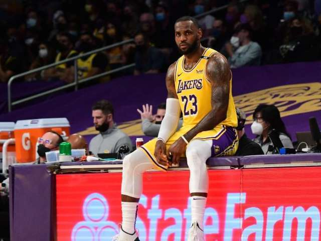 NBA Fans Blast LeBron James, Lakers for Losing First Round Playoff Series