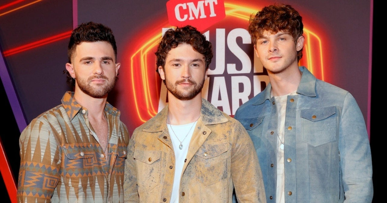 Restless Road's New Single 'Bar Friends' 'Captured Everything That We're All About' (Exclusive).jpg