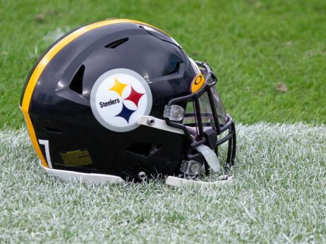 Steelers Surprise NFL by Releasing Six-Time Pro Bowler