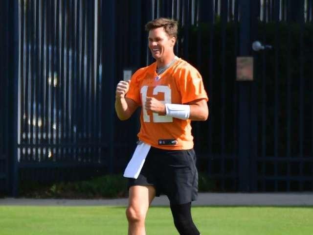 Tom Brady Makes Surprising Claim on Recent Knee Surgery