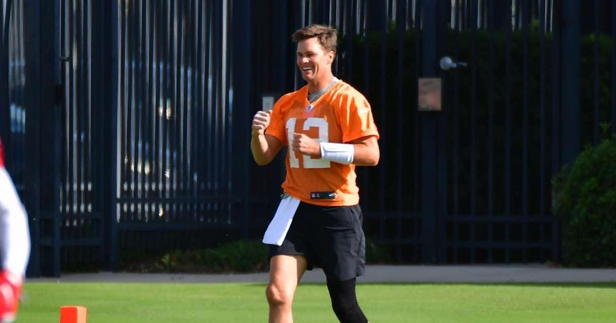 Tom Brady knee surgery makes surprising claim