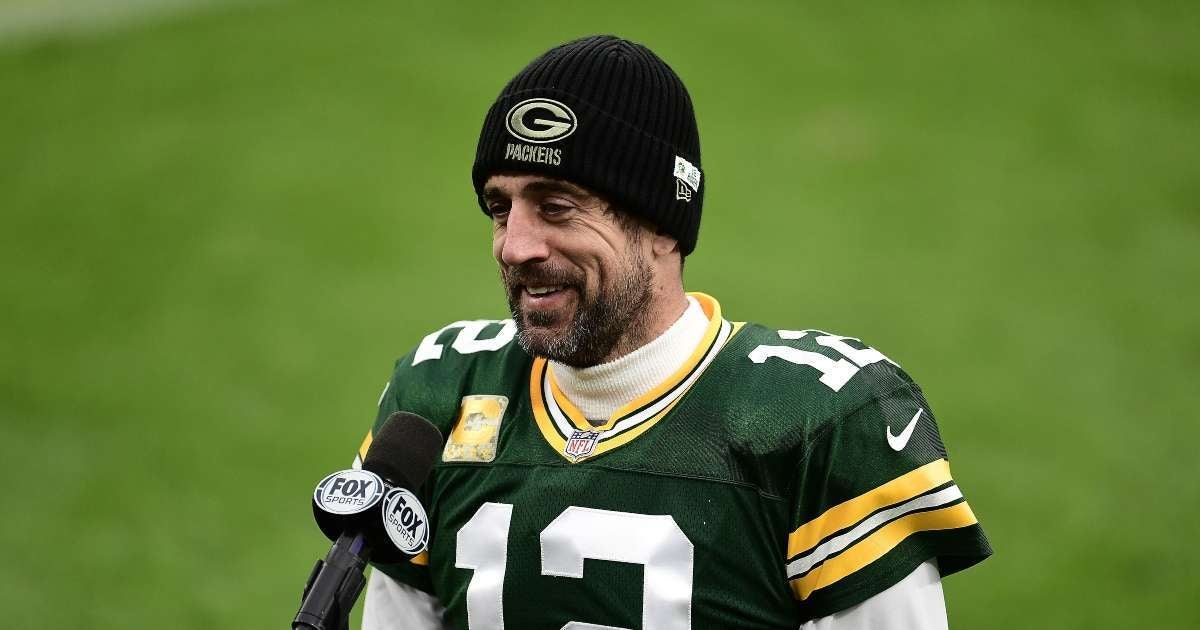 Aaron Rodgers agreeing reworked contract Green Bay Packers