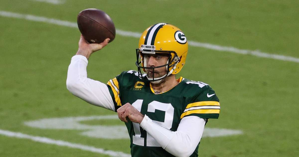 Aaron Rodgers offered monster contract Green Bay Packers offseason