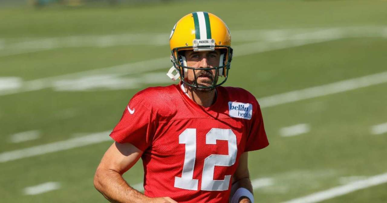 Watch: Aaron Rodgers Reports to Packers Training Camp Following Dispute With Team.jpg