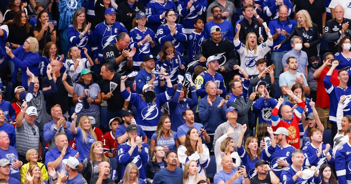 Bud Light Giving Free Beer Tampa Bay Lighting Fans Stanley Cup win