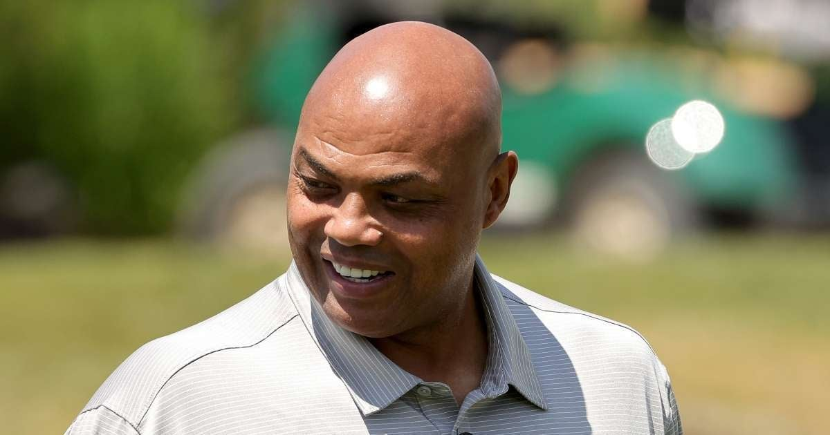 Charles Barkley strong message people against Covid 19 vaccine