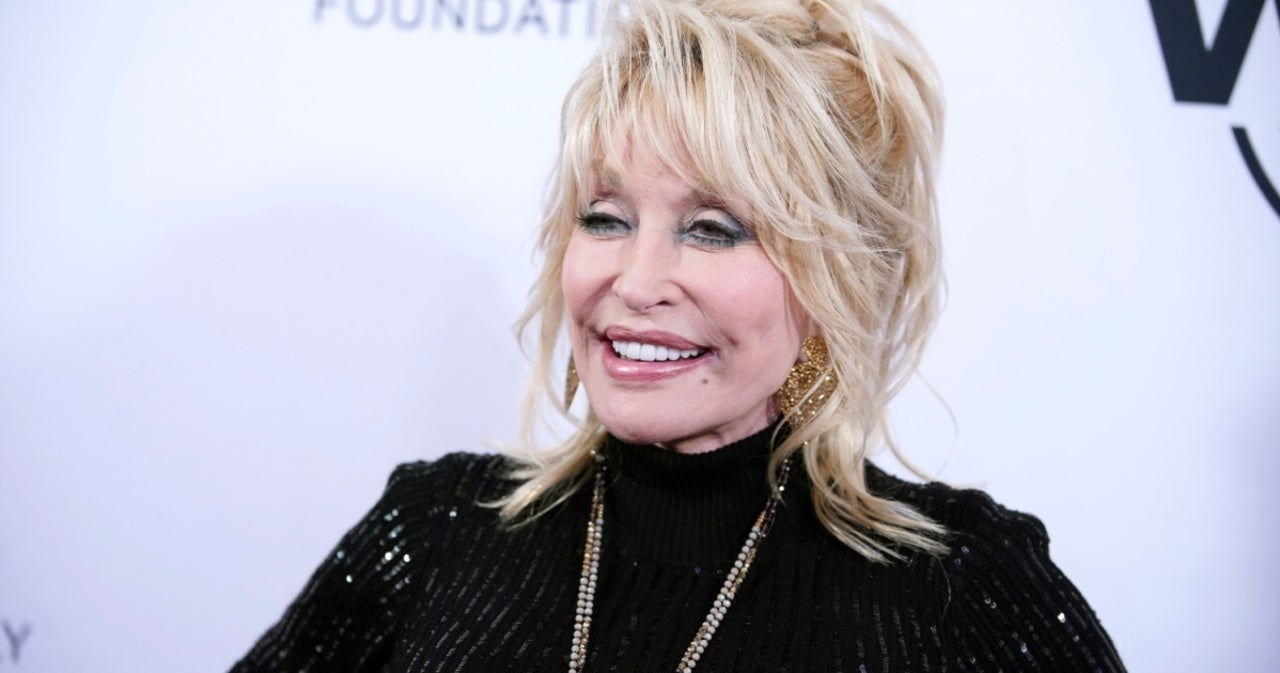 Dolly Parton Shows Support for Britney Spears, Reflects on Own Legal Fight for Freedom.jpg