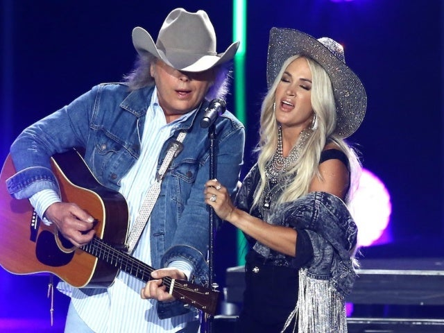 Carrie Underwood Duets With 'Legend' Dwight Yoakam During CMA Summer Jam