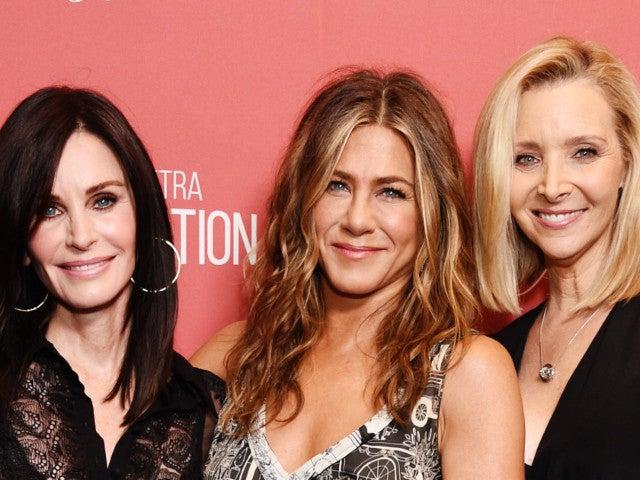 'Friends' Stars Jennifer Aniston, Courteney Cox and Lisa Kudrow Reunite for July 4th Celebration