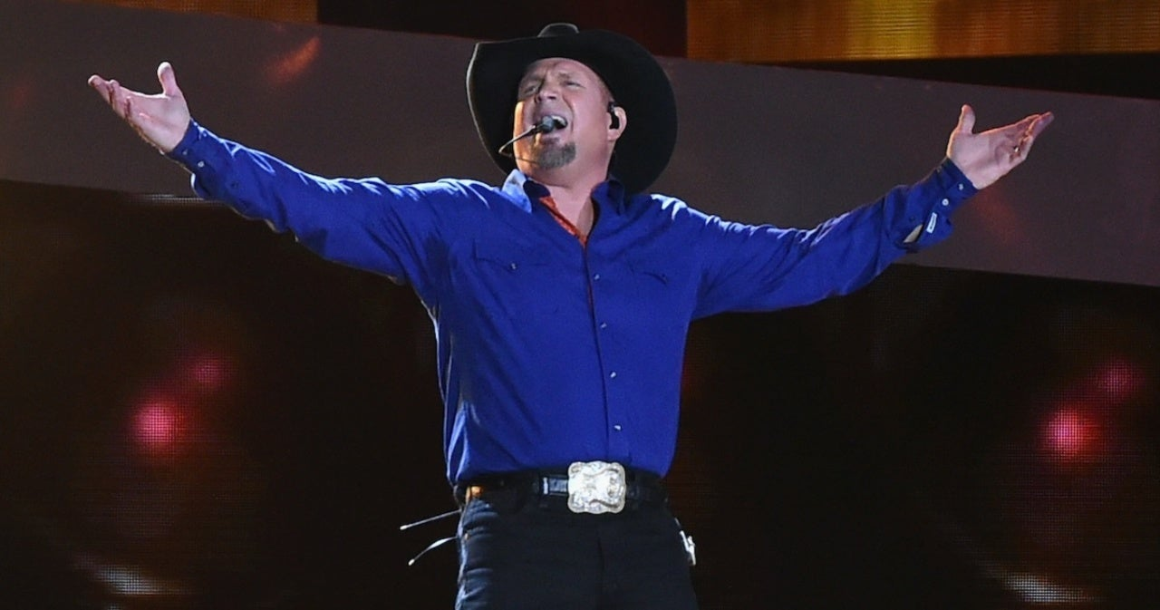 Garth Brooks Adds Seattle Stadium Tour Show.jpg