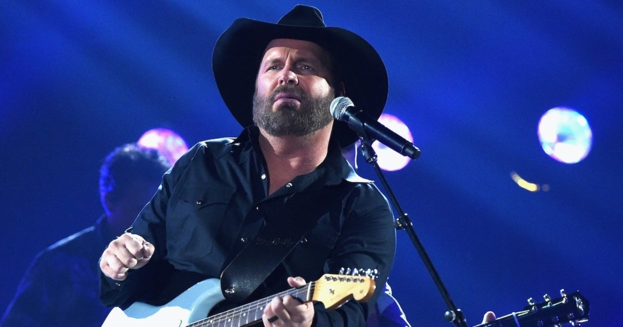 Garth Brooks Explains Why He Doesn't Sell Tickets for the First Two Rows at His Shows.jpg