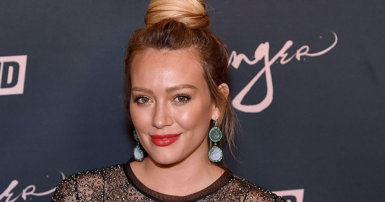Hilary Duff Accidentally Dyes Her Hair Green in Hair Treatment Mishap.jpg