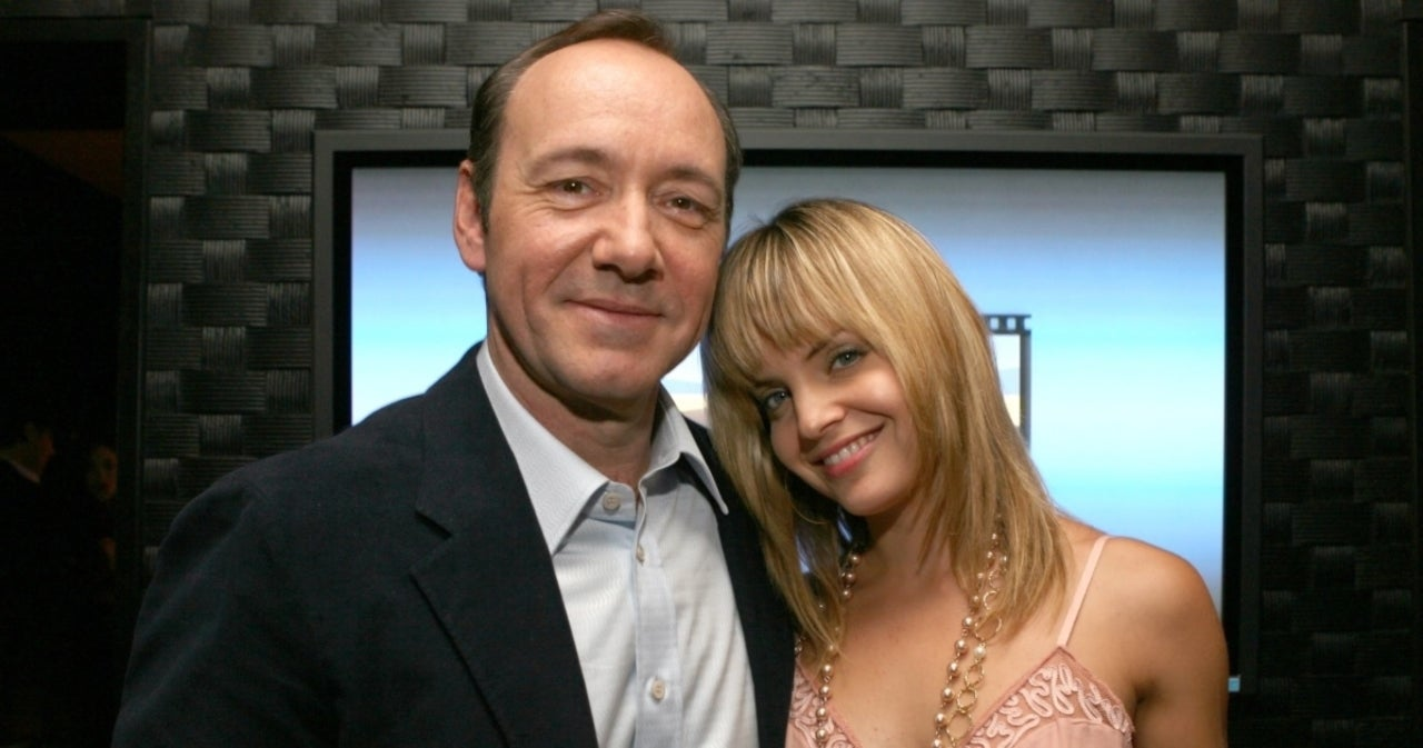 Mena Suvari Opens up About 'Weird' Interaction With Kevin Spacey During 'American Beauty'.jpg