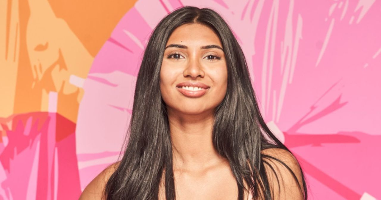 'Love Island': Roxy Weighs in on Isaiah Drama, Reveals Shocking Islander She Had Connection With (Unique)