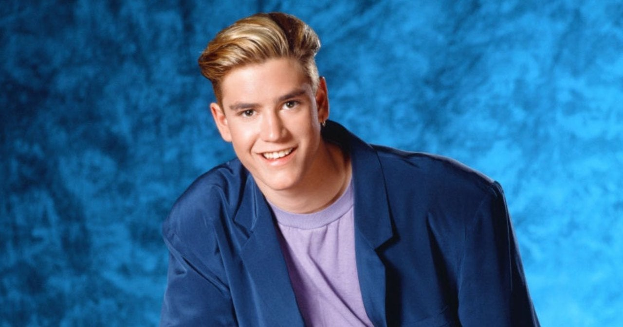 Mark-Paul Gosselaar Reveals 'Saved By the Bell' Guest Star He Had 'Undeniable Chemistry' and 'Real Kisses' With.jpg