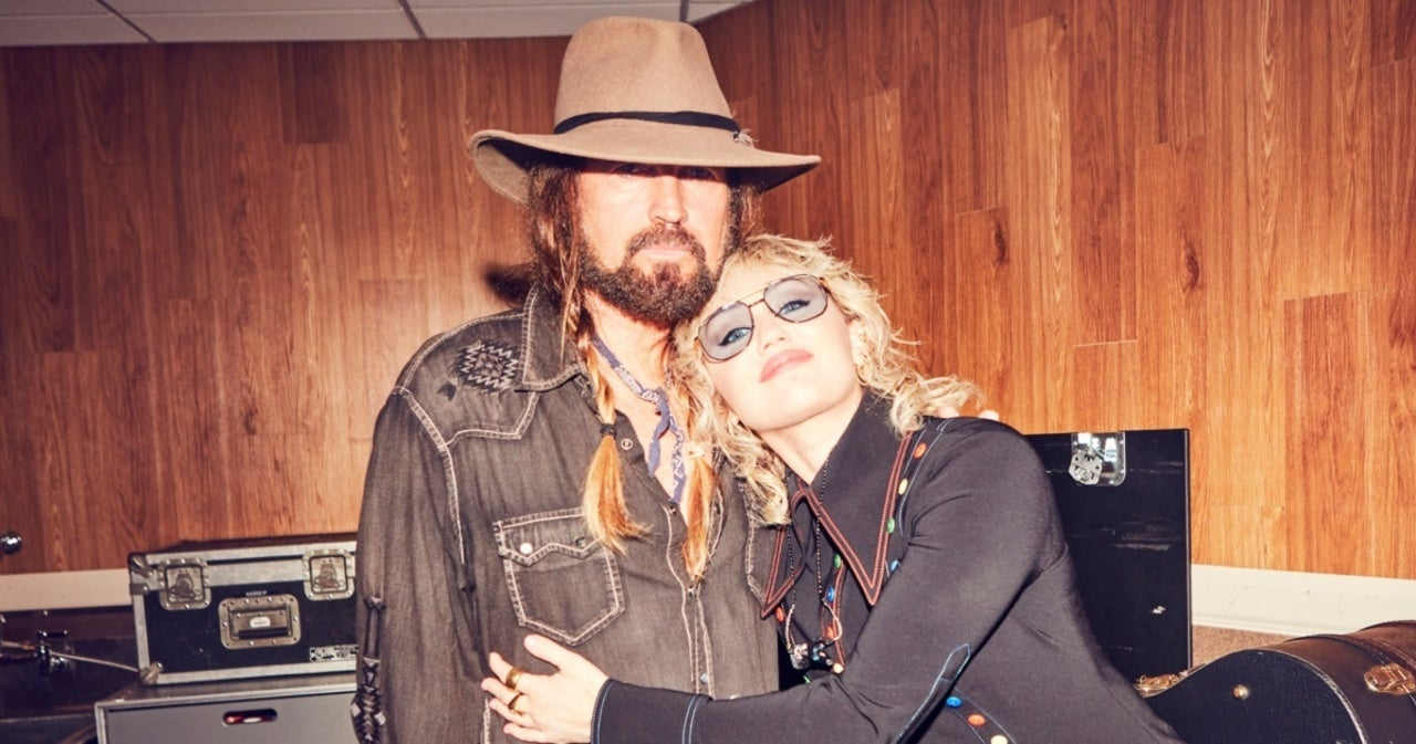 Miley Cyrus Reveals Photos That Will Make Billy Ray Cyrus Furious.jpg