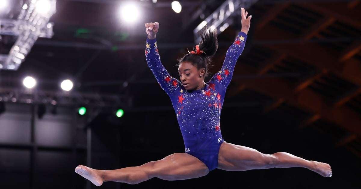 Simone Biles injury Olympics Finals social media emotional