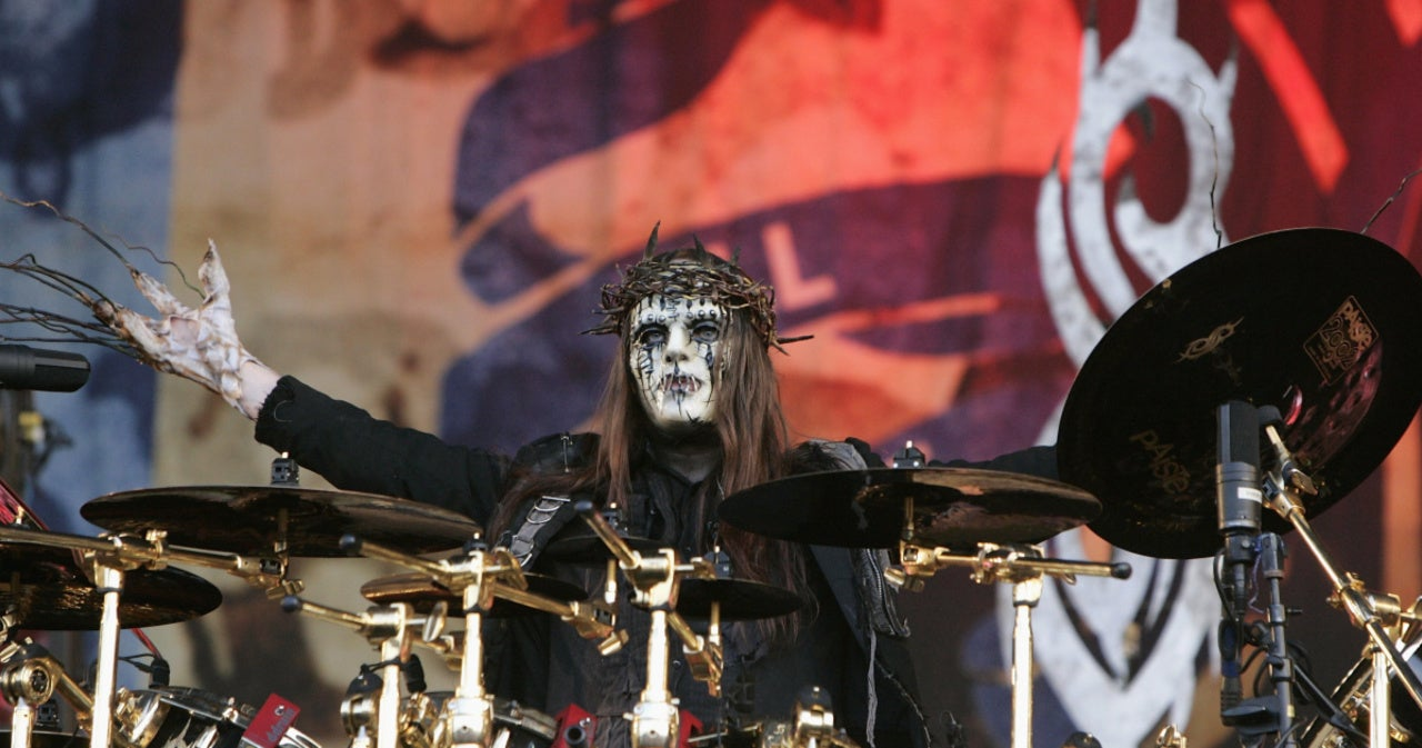 Korn Guitarist James 'Munky' Shaffer Reacts to Slipknot's Joey Jordison's Death.jpg