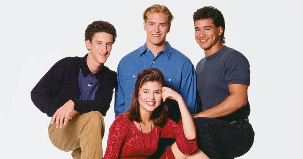Tiffani Thiessen Describes the 'Surreal' Moment She Learned of Dustin Diamond's Death (Exclusive).jpg