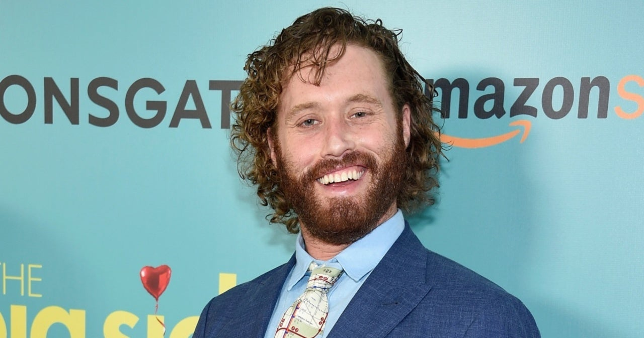 T.J. Miller Bomb Threat Charge Dropped 3 Years After Amtrak Incident.jpg