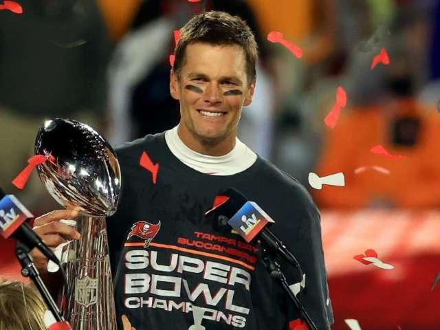 Tom Brady Reportedly Won Super Bowl With a Major Injury