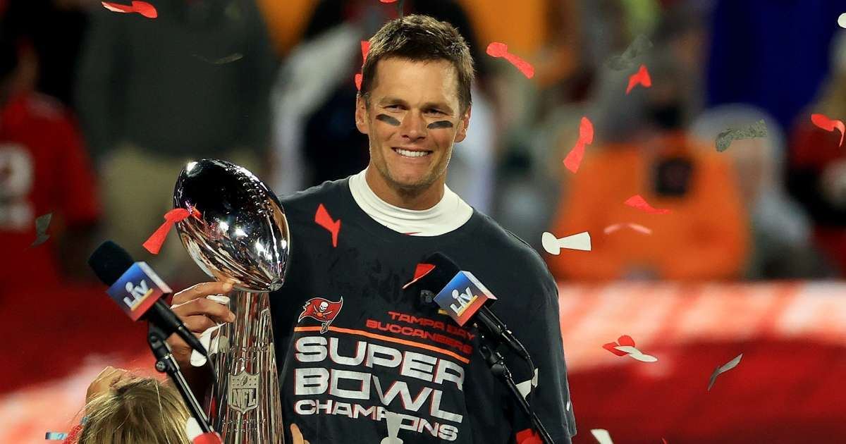 Tom Brady won Super Bowl torn MCL