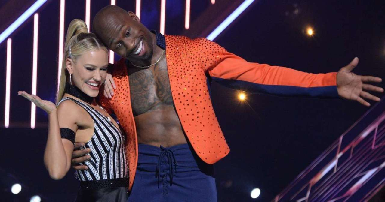 Vernon Davis Reveals His Biggest Challenge Competing on 'Dancing With the Stars' (Exclusive).jpg