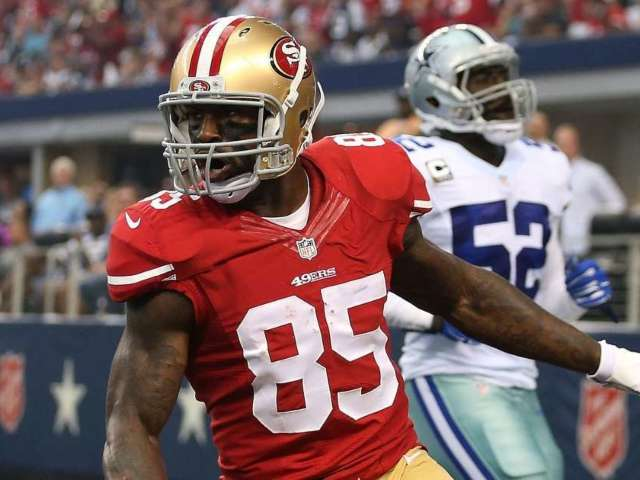 Vernon Davis Explains Why He Was 'Comfortable' Retiring From NFL (Exclusive)
