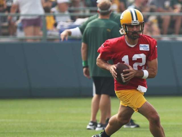 Former Packers Teammate Says Aaron Rodgers Will Join New NFL Team in 2022