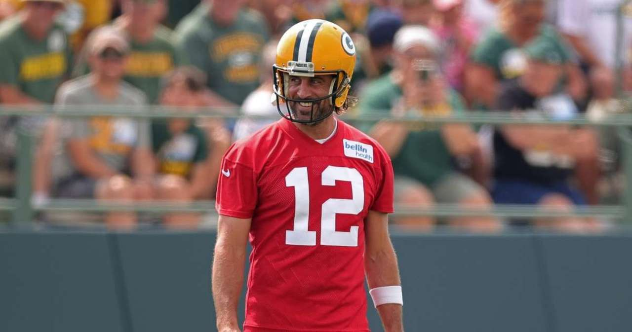 Aaron Rodgers Sets Record Straight on Relationship With Packers General Manager.jpg
