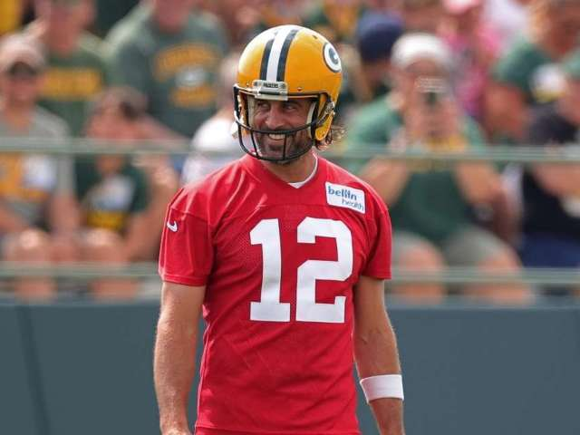 Aaron Rodgers Sets Record Straight on Relationship With Packers General Manager