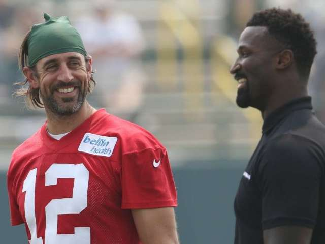 Packers Make Decision on Aaron Rodgers Playing in Preseason