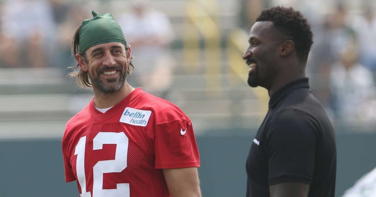 Aaron Rodgers Packers make decision playing preseason