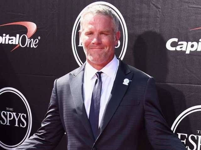 Brett Favre Sends Warning to Parents Who Are Letting Kids Play Football