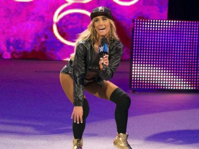 Carmella Suffers Wardrobe Malfunction at WWE Live Event, Has Hilarious Response