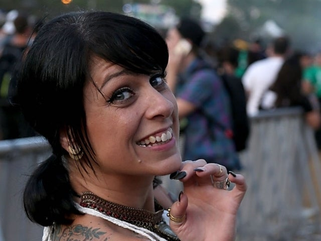 'American Pickers' Star Danielle Colby Delights Fans With Raunchy Joke Amid Public Feud Between Mike Wolfe and Frank Fritz