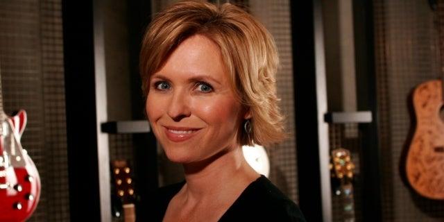 Lisa Lee headshot 2014_Credit_ Academy of Country Music