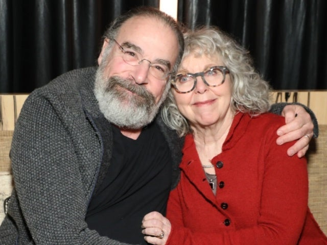 Mandy Patinkin Connects With Grieving 'Princess Bride' Fan in Emotional Video
