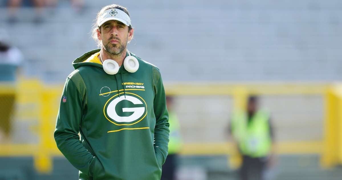 Mike Richard exits Jeopardy Aaron Rodgers mix new host