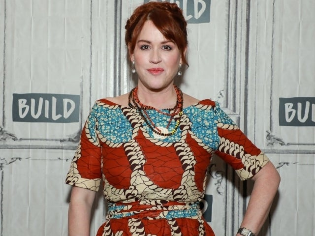 'Breakfast Club' Star Molly Ringwald Writes Emotional Tribute to Late Father After His Death at 80