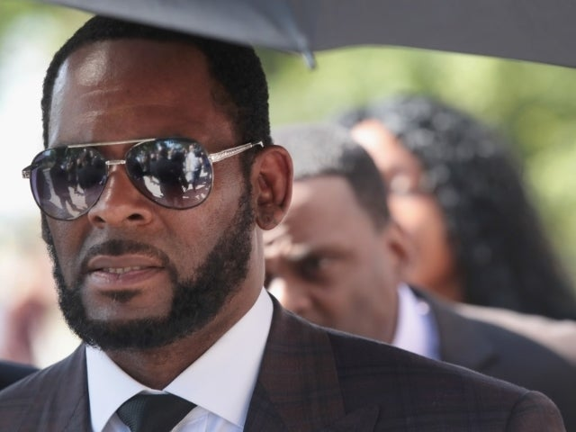 R. Kelly's Girlfriend From Infamous Gayle King Interview Shares Alarming Off-Camera Details