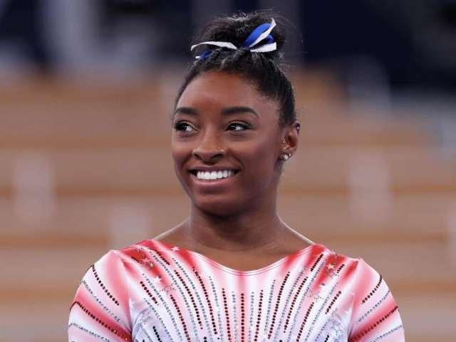 Simone Biles' Boyfriend Jonathan Owens Sends Emotional Message to Olympics Star After Winning Bronze Medal