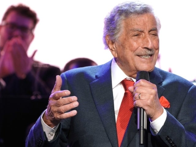 Tony Bennett Announces Retirement From Performing Due to Health Concerns